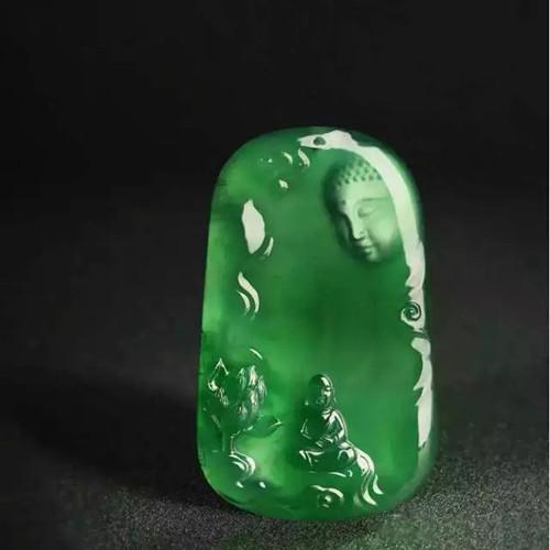 8000元的蓝水料翡翠原石,切涨89万。